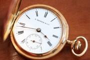 Часы трехкрышечные женские A. Moser & Co. Золото 56-й пробы,  14 карат,