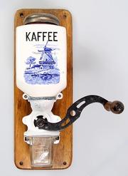 Кофемолка настенная