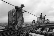 Требуются сварщики-сантехники для строительной компании